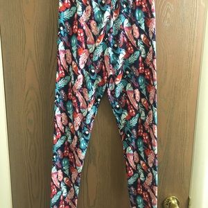 Super buttery soft feather leggings
